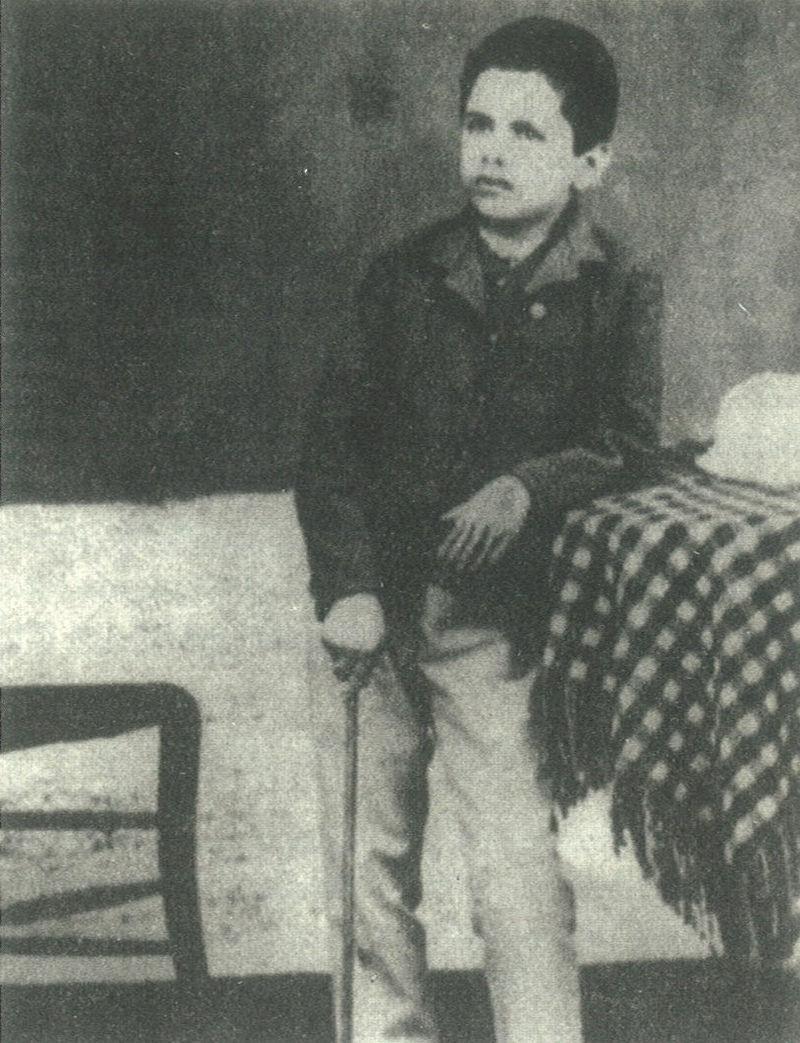 Ο ποιητής σε ηλικία 10 χρονών