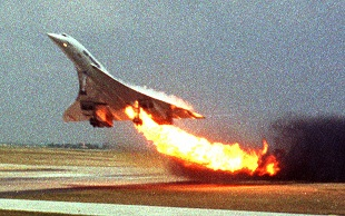 Air France Flight 4590 2000 plane crash by an Air France Concorde in France