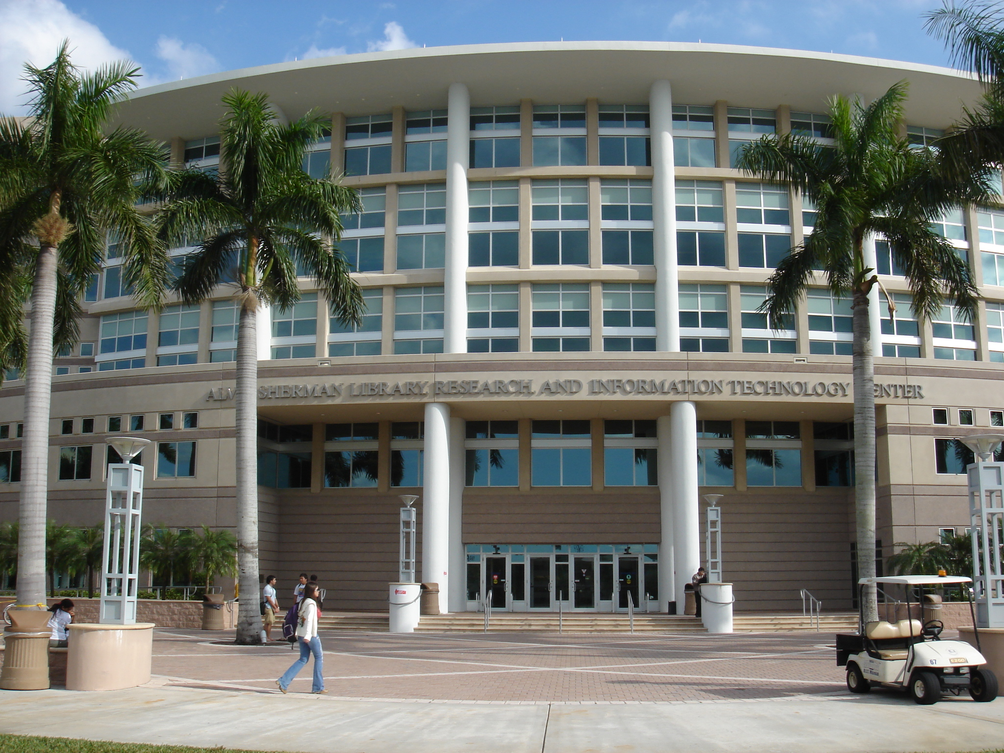 does nova southeastern university require essay Beginning freshmen thank you for your interest in pursuing your college education at southeastern here you can view admissions criteria.