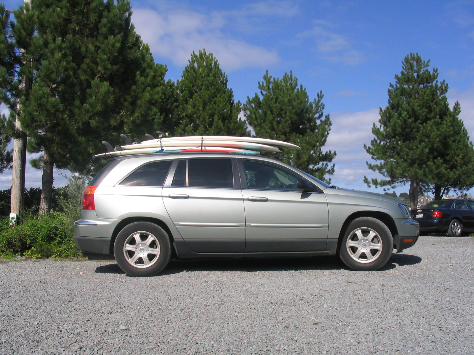 File:Chrysler Pacifica Side View.jpg - Wikipedia