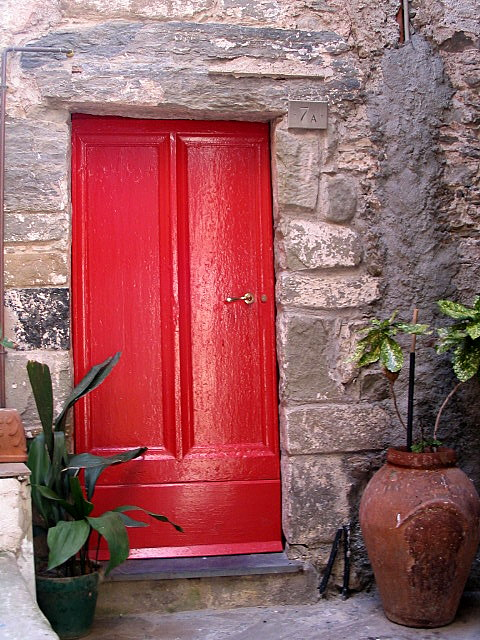 File:Italian Red Door