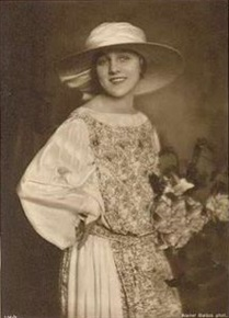 Actress Grete Reinwald.jpg