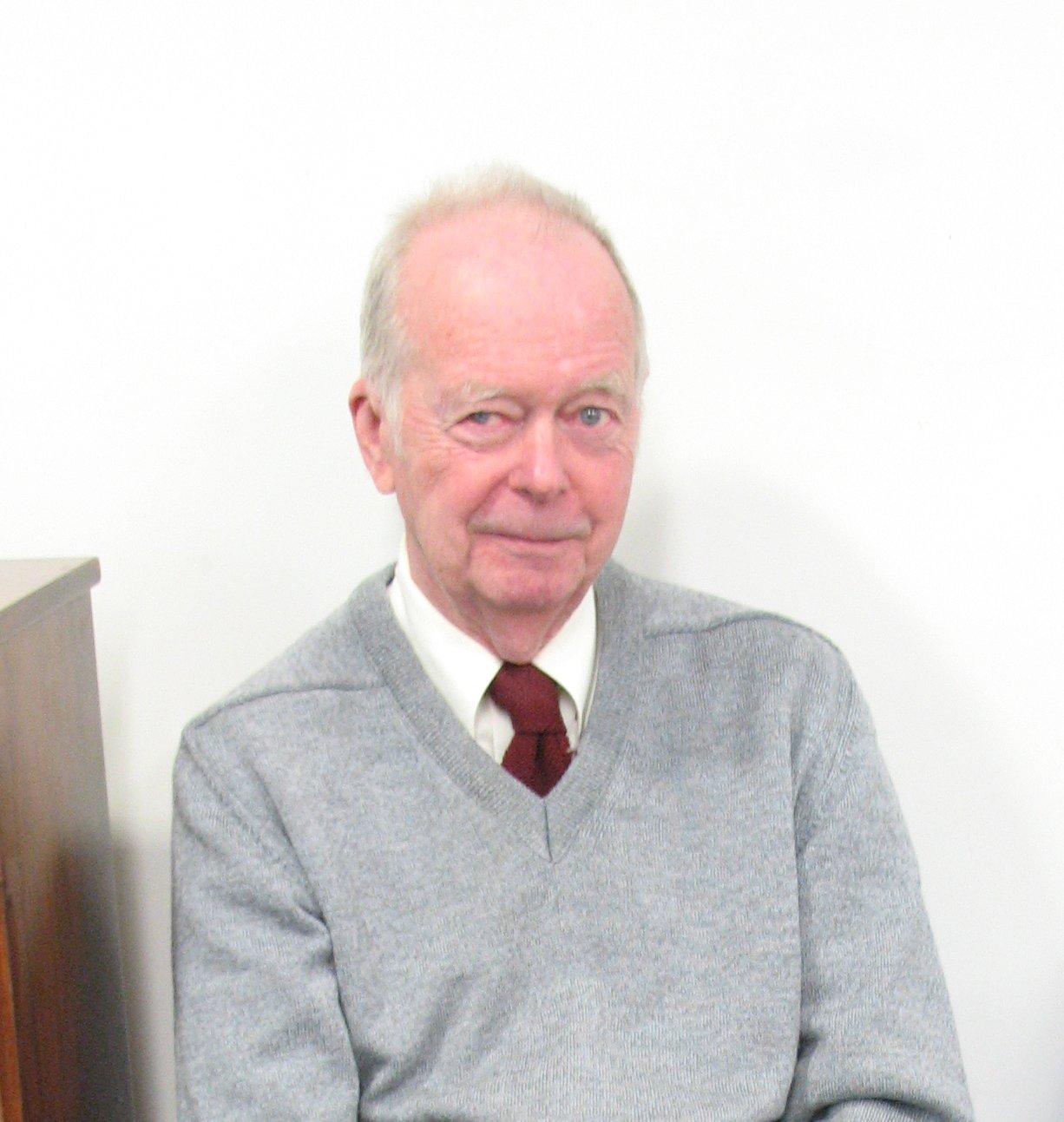 Robert M . Hayes