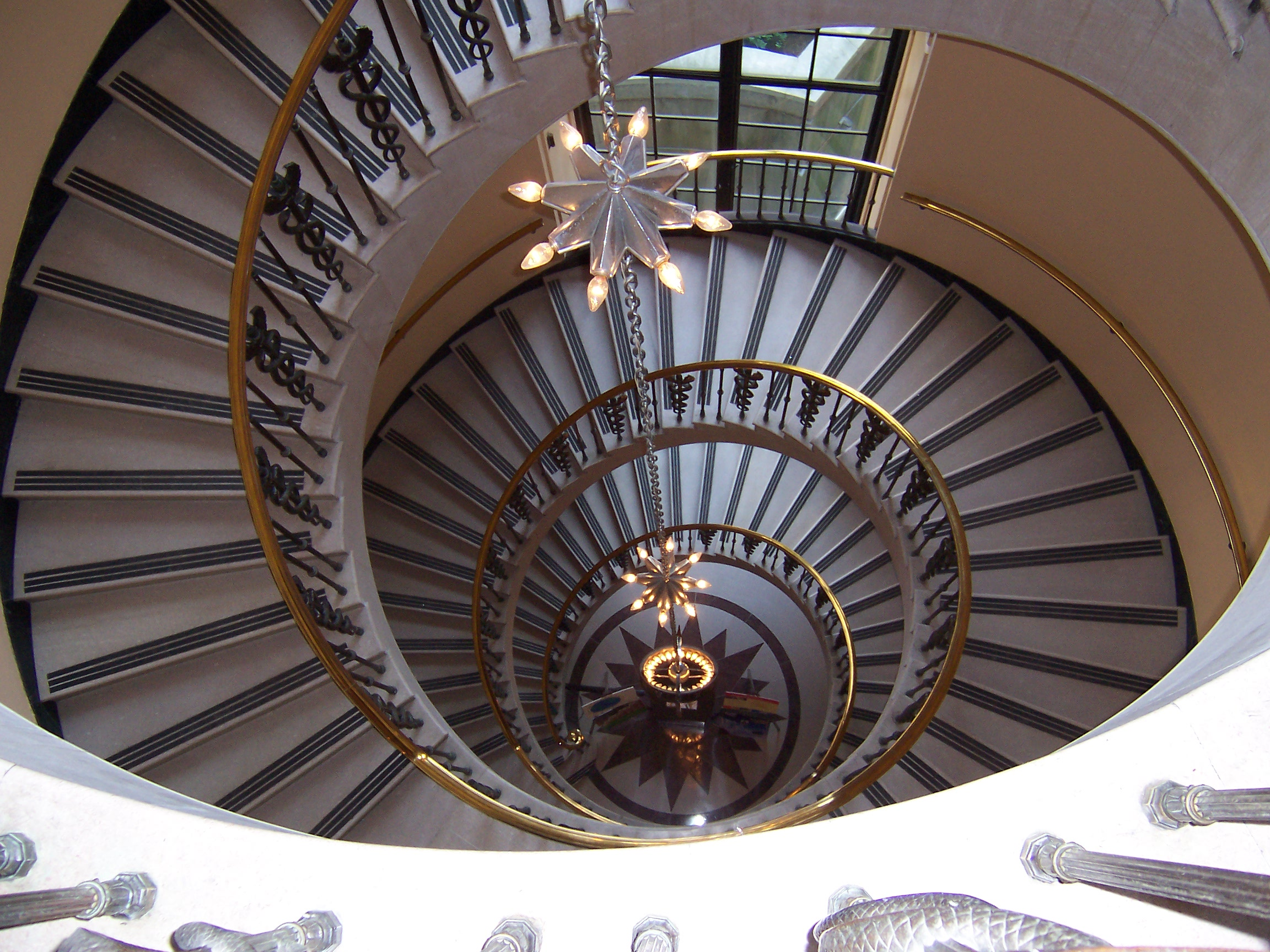 File spiralstairs wikipedia for Architecture spiral staircase