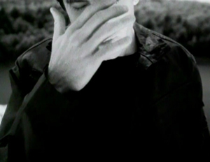 "Trent Reznor in ""The Day the World Went Away"" music video. TDTWWA music video.jpg"
