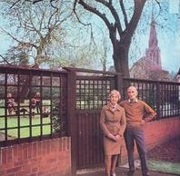 Fairport Convention-Unhalfbricking (album cover).jpg