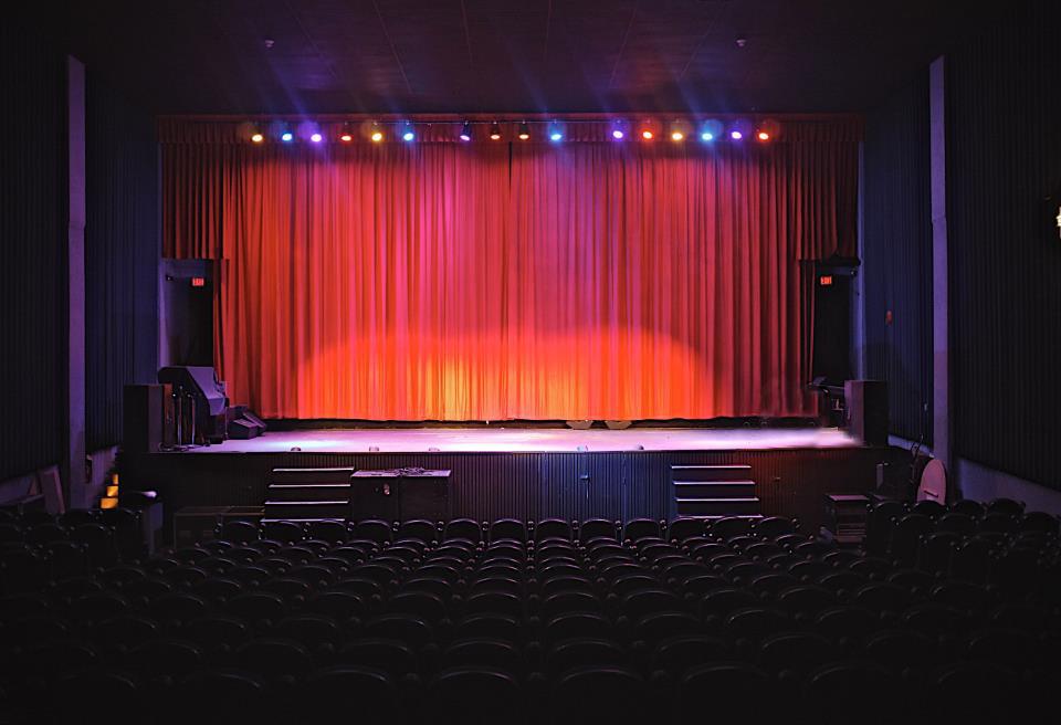 File:Rio Theatre interior Chris Richmond.jpg - Wikipedia, the free ...
