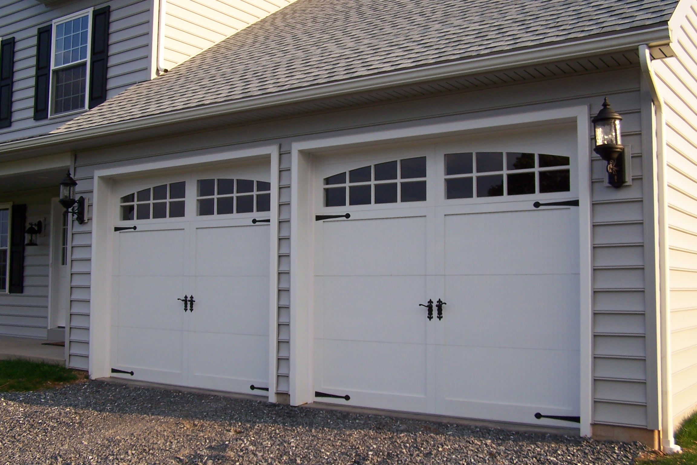 Carriage double garage door - Sectional Type Steel With Exterior Cladding Overhead Garage Doors In The Style Of Old Carriage House Doors