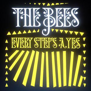Les 5 pochettes d'album les plus laides de l'année TheBees-EveryStepsAYes