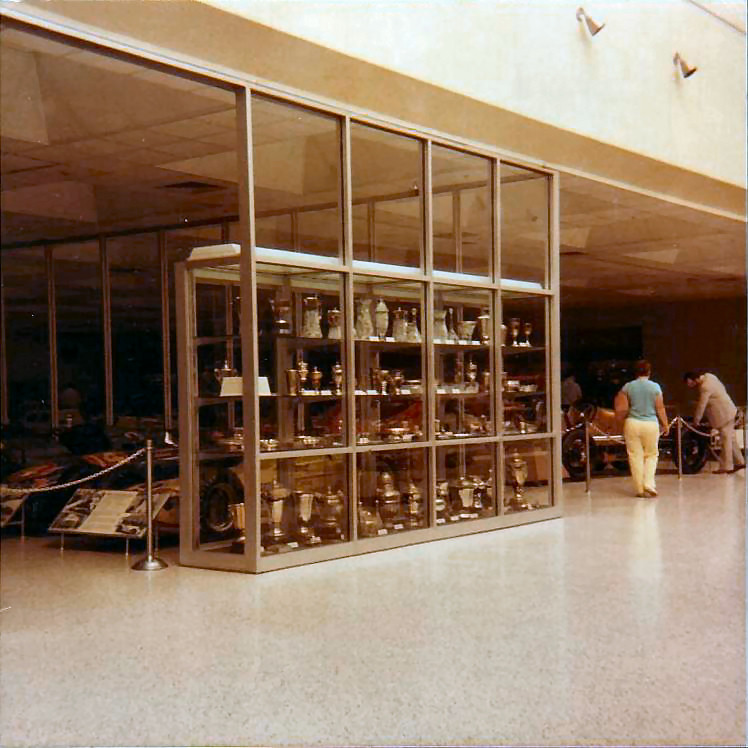 File:Trophy Cabinet At Indianapolis Motor Speedway 1.