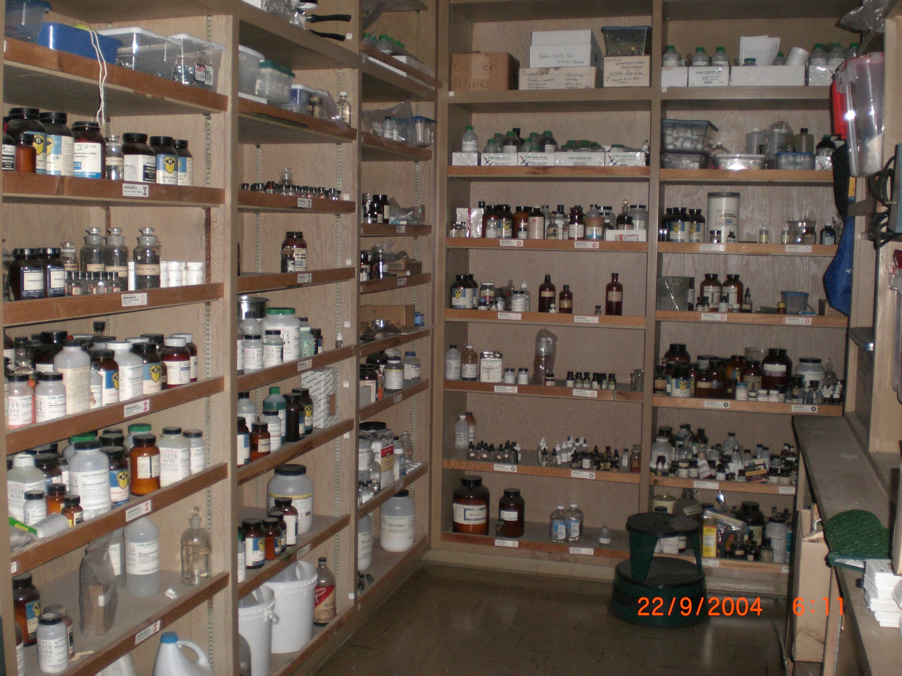 File:Chemical_store_room_differentangle_002 on Lab Equipment