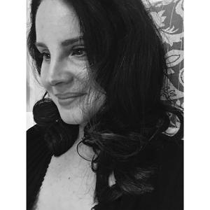 Lana_Del_Rey_-_Hope_Is_a_Dangerous_Thing