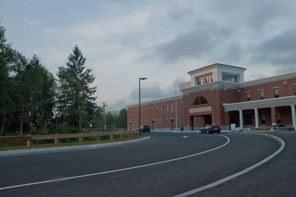 Colleges In New England >> Hampden Academy - Wikipedia