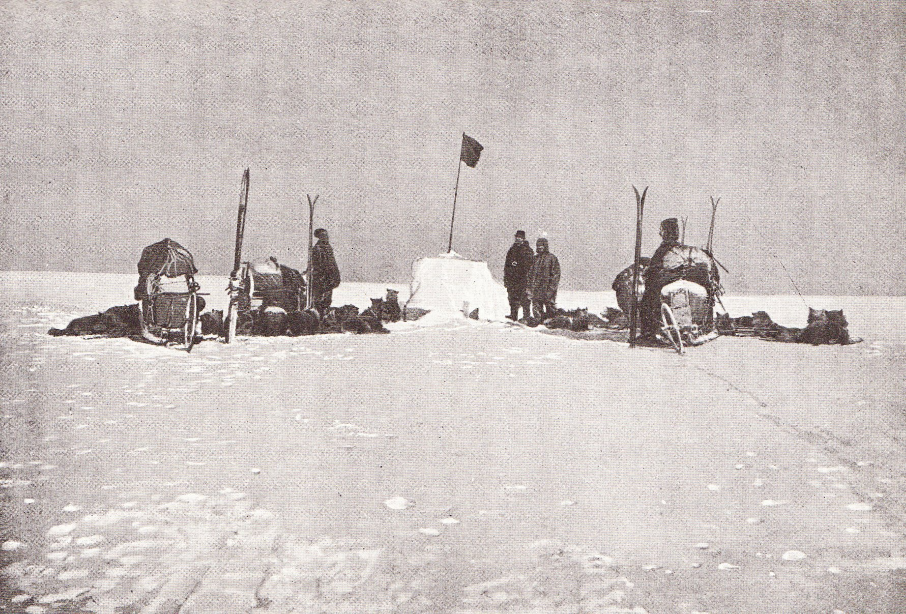 Roald Amundsen's South Pole party, en route to the pole November 1911
