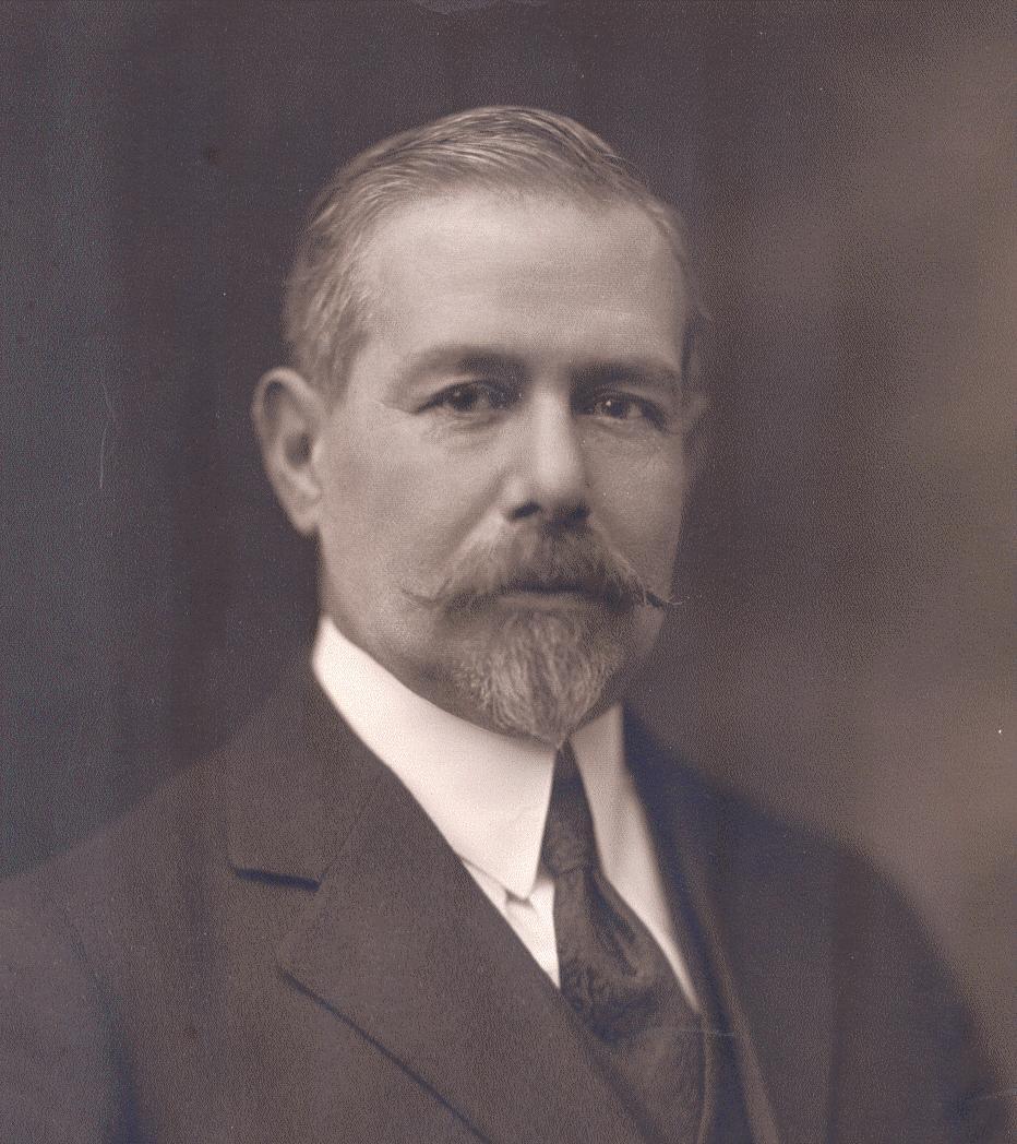 Manuel Garza Aldape