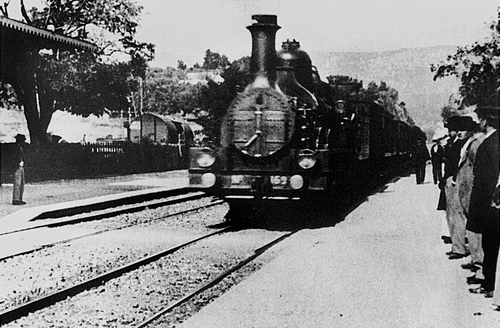Image result for lumiere train arriving at the station