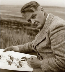 American naturalist and ornithologist; writer of field guides