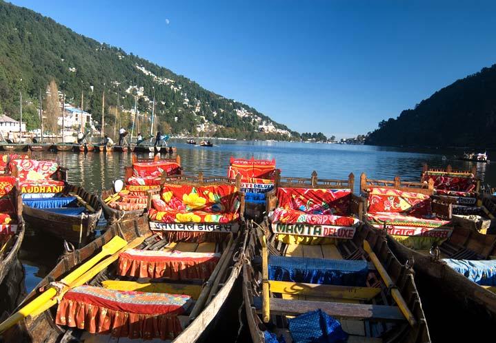 A view of the Nainital lake.
