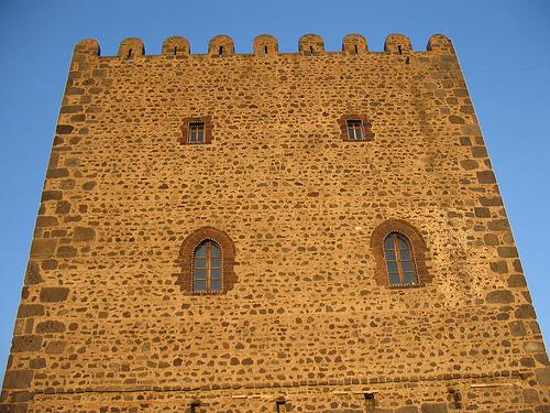 Motta sant anastasia norman tower.jpg