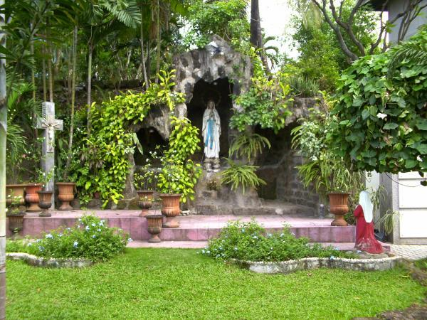 FileGrotto of Our Lady of Lourdes in San Carlos Seminary