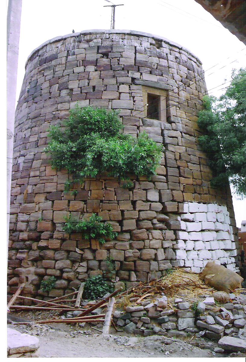 Hude (Tower) in Sudi
