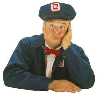 Gordon Jump as the Maytag repairman