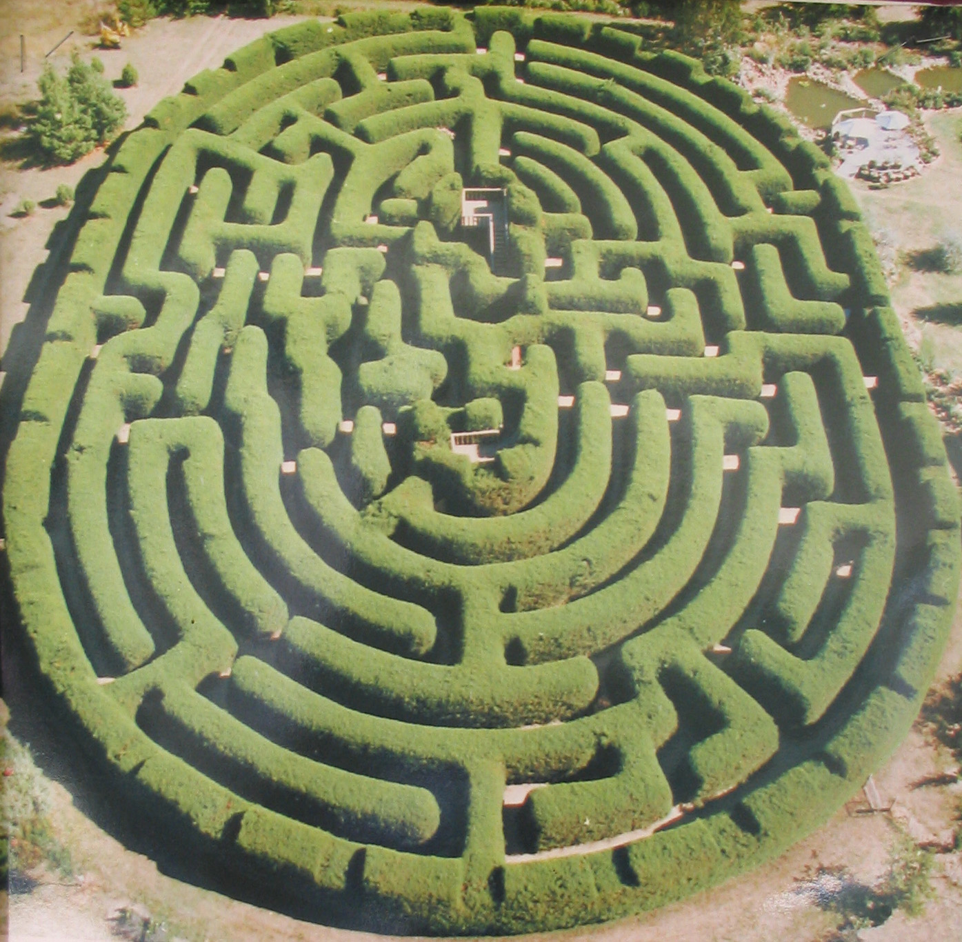 Beautiful altona for Garden labyrinth designs