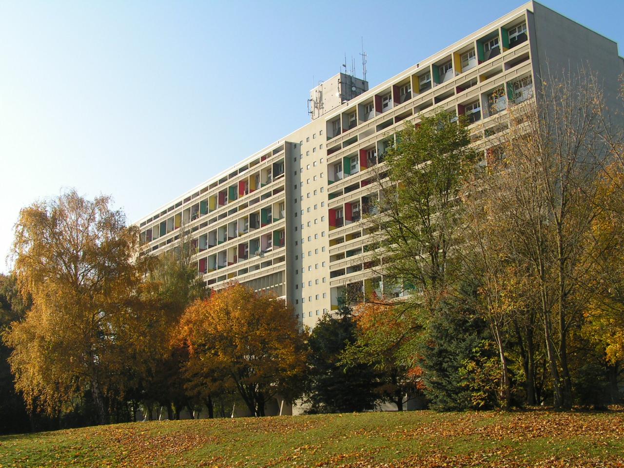 File unit d 39 habitation de berlin rear oct 2005 wikipedia the - Unite d habitation dimensions ...