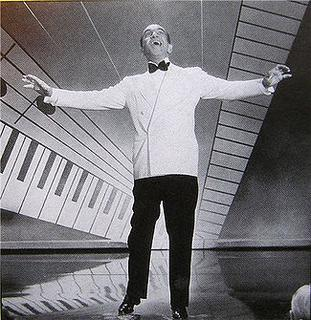 <i>Wonder Bar</i> 1934 film by Busby Berkeley, Lloyd Bacon