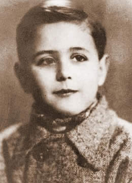 Sergio de Simone 7yr old boy used in Nazi medi...