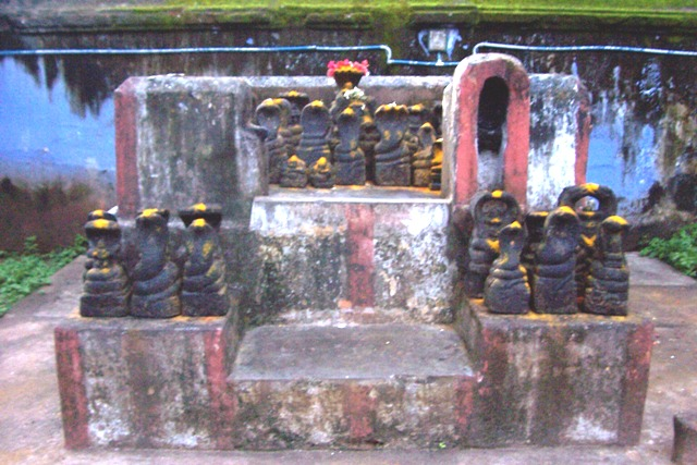 File:Elur chetty colachal nagaramman temple.jpg