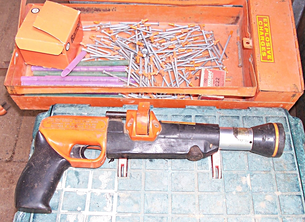 Powder-actuated tool - Wikipedia