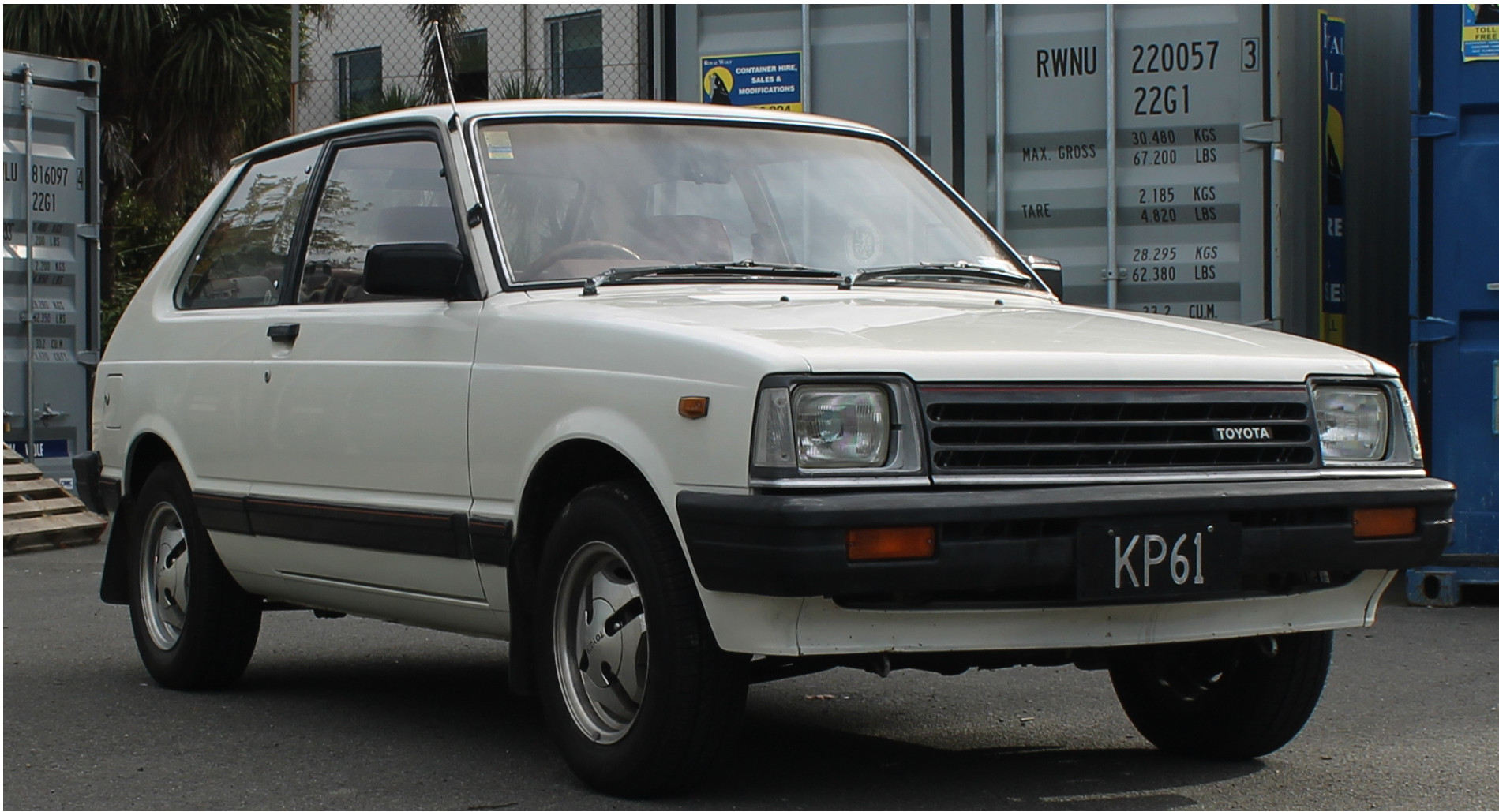 Toyota_Starlet_KP61_Sprint_(NZ_New).JPG