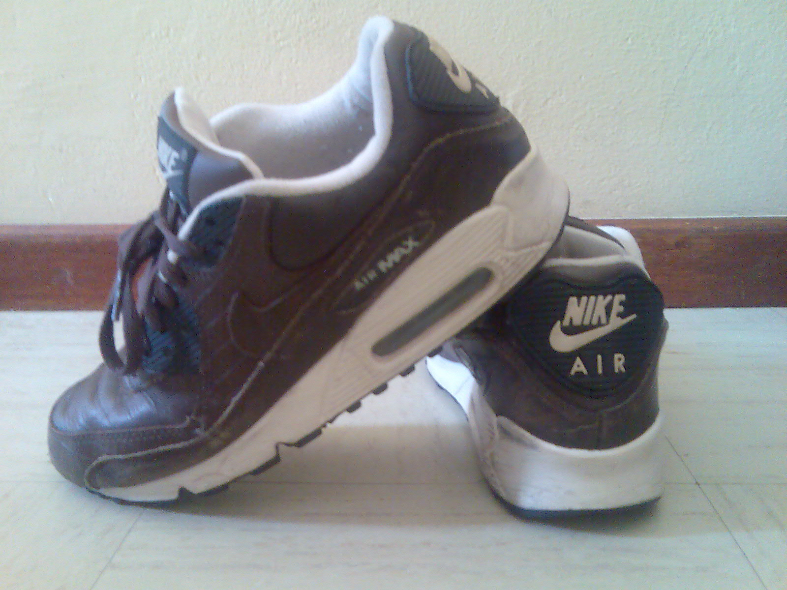 low priced a3a19 e3f27 Leather Air Max 90s