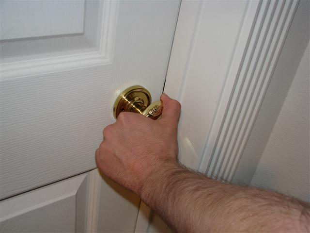 File:Turn doorknob.JPG - Wikipedia