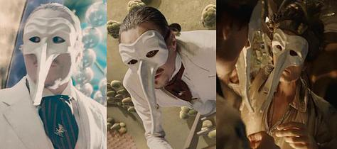 A few of the scenes featuring Zander Gladish, behind a mask, doubling for Ledger in the film.