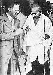 Cripps meeting Mahatma Gandhi during the Second World War