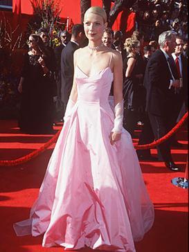 Gwyneth-Paltrow 1999 Oscars.jpg. Designer, Ralph Lauren