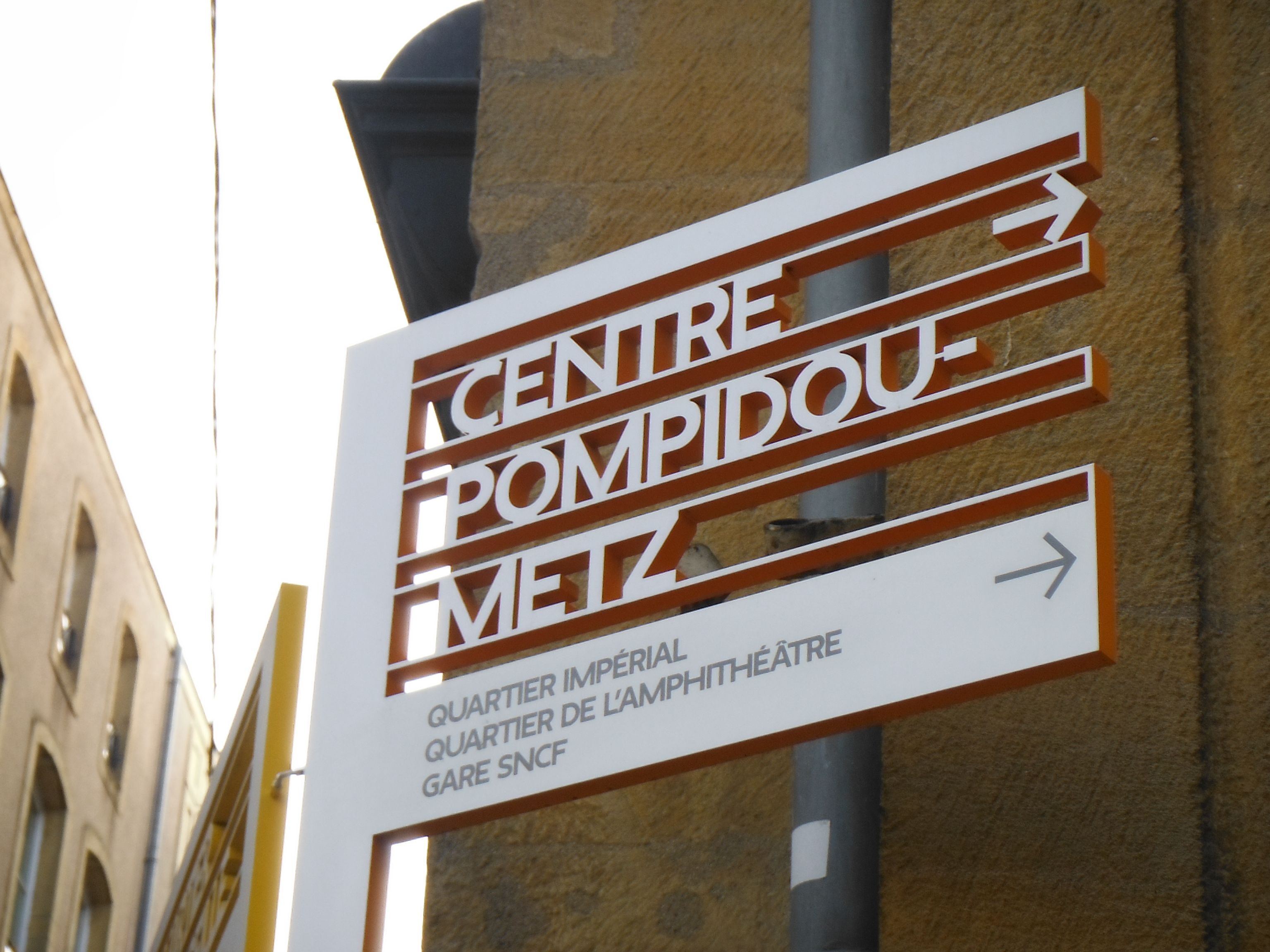 The Signage Systems Of Metz, France, Were Created By Swiss Designer Ruedi  Baur. Street Furniture ...