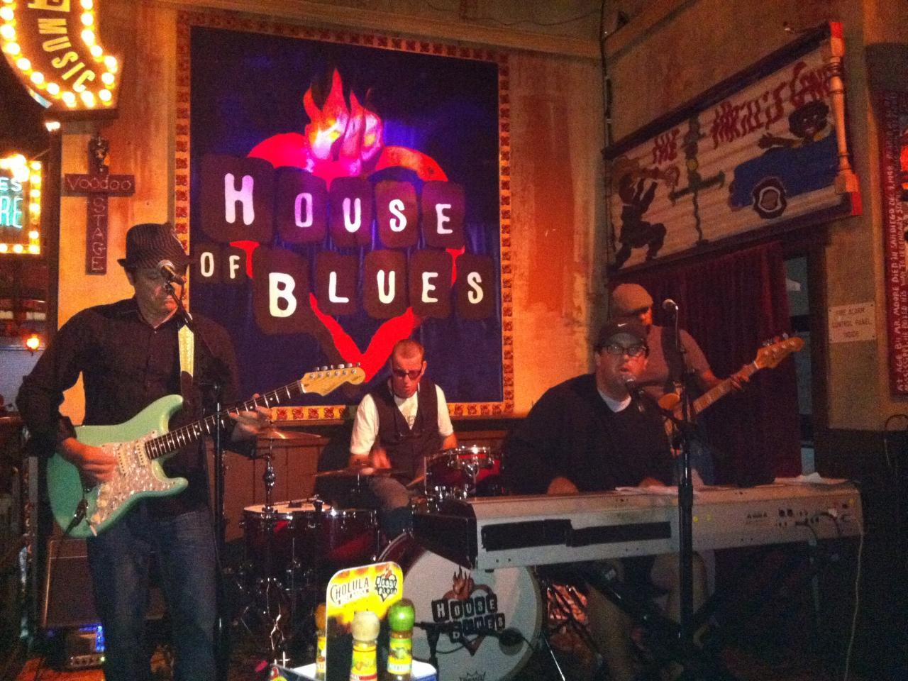 file:the bigfellas, house of blues, 2011 - wikipedia