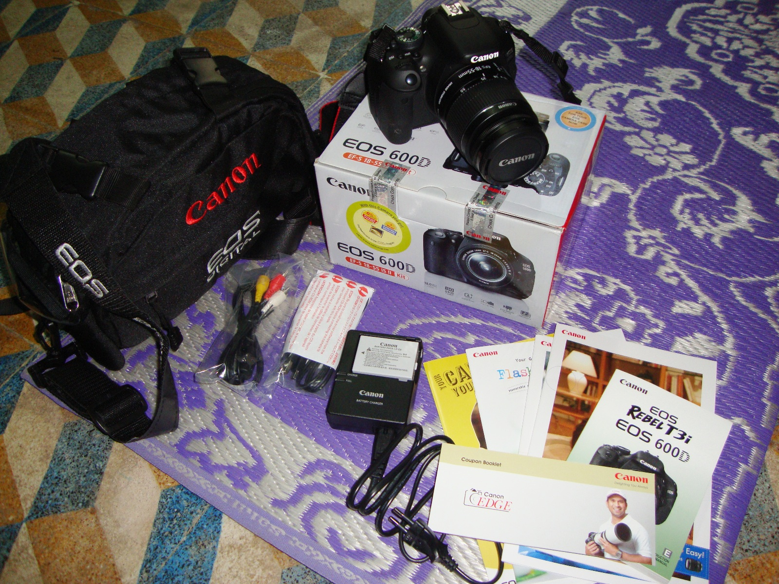 File:Canon EOS 600D Kit I Sales Package jpg - Wikipedia