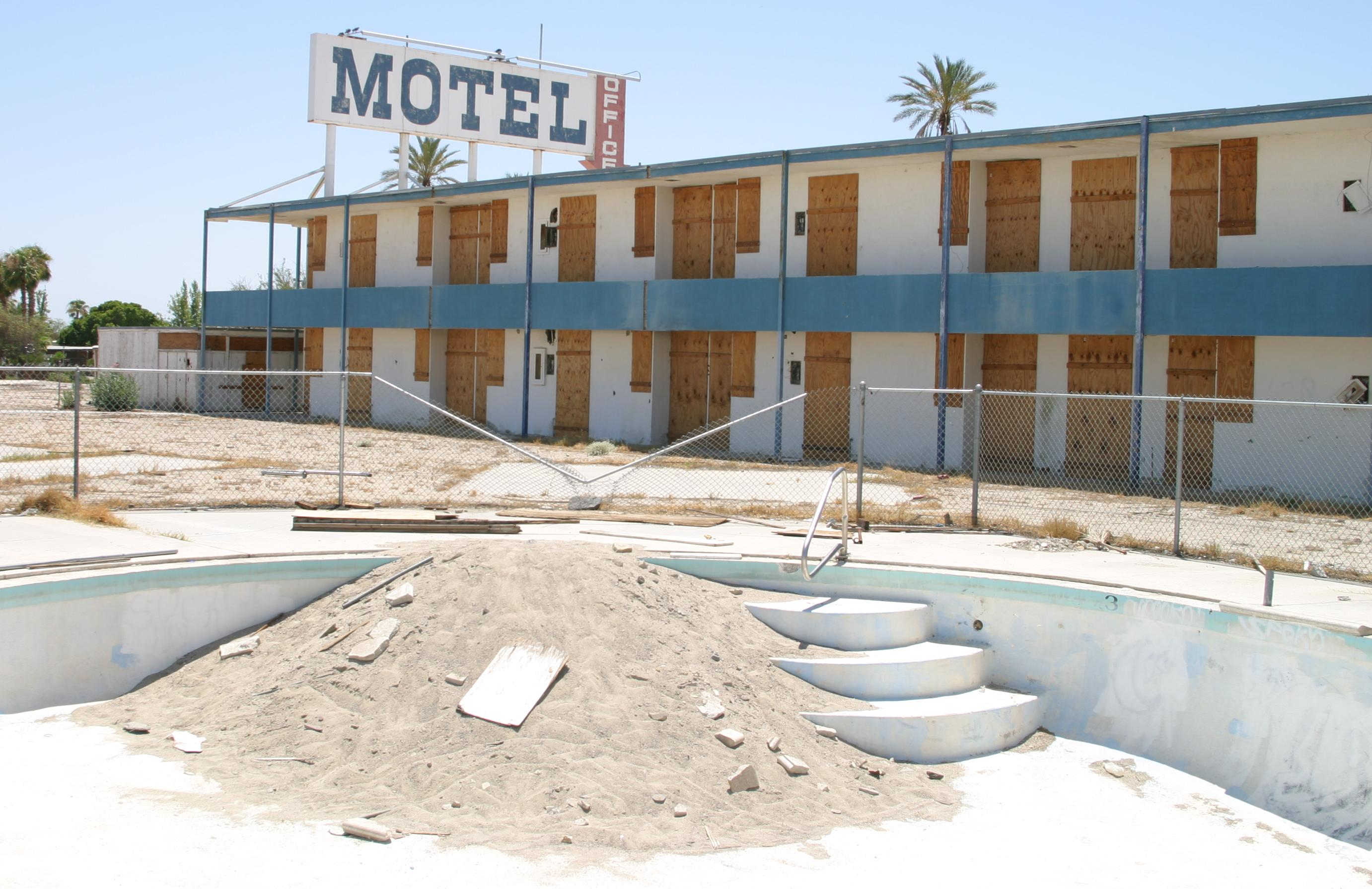 File Salton Sea Motel Jpg