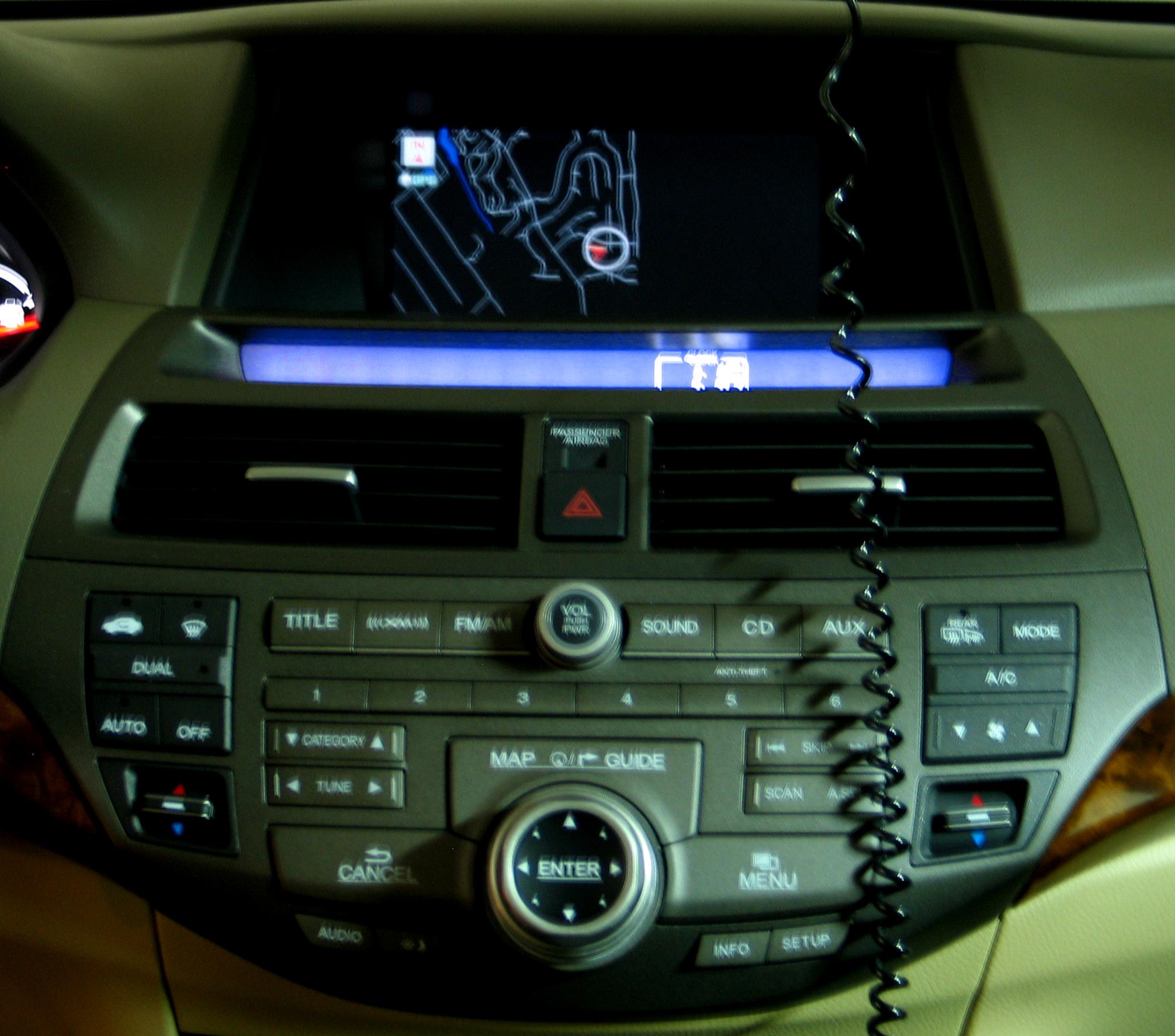 Filehondanavisystem Wikipedia Honda Accord Head Unit