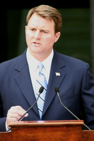 University Of Virginia Law >> John L. Brownlee - Wikipedia