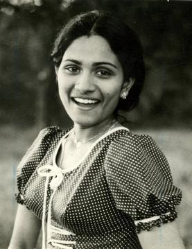 http://upload.wikimedia.org/wikipedia/en/8/85/Shoba_actress.jpg