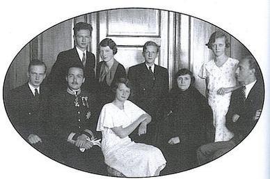 http://upload.wikimedia.org/wikipedia/en/8/88/Empress_Zita_in_Leiquitio.jpg