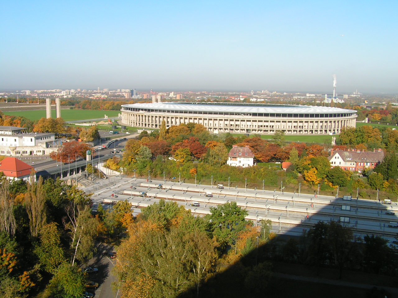 file unit d 39 habitation de berlin olympic stadium oct 2005 wikipedia the free. Black Bedroom Furniture Sets. Home Design Ideas
