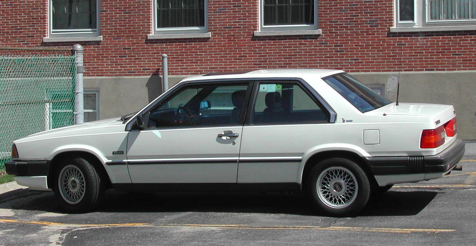 File:Volvo 780 Bertone rear side.jpg - Wikipedia