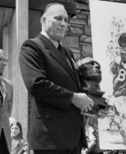Bruiser Kinard American football player and coach, college athletics administrator