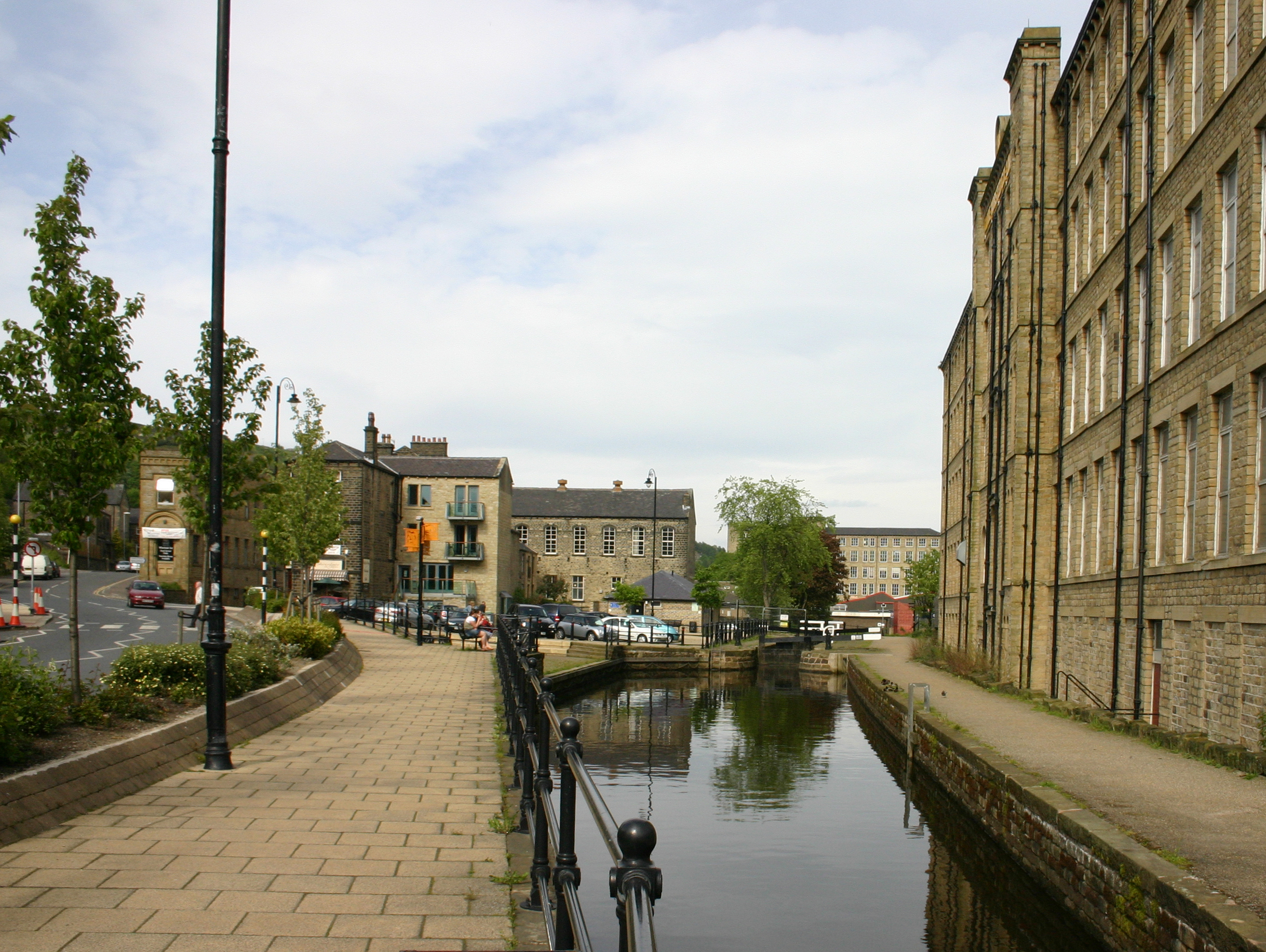 "<a href=""http://search.lycos.com/web/?_z=0&q=%22Huddersfield%20Narrow%20Canal%22"">Huddersfield Narrow Canal</a> at Slaithwaite"